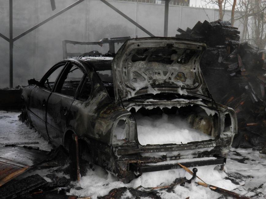 З'явилися подробиці вчорашнього вибуху у центрі Ужгорода: фото, фото-2