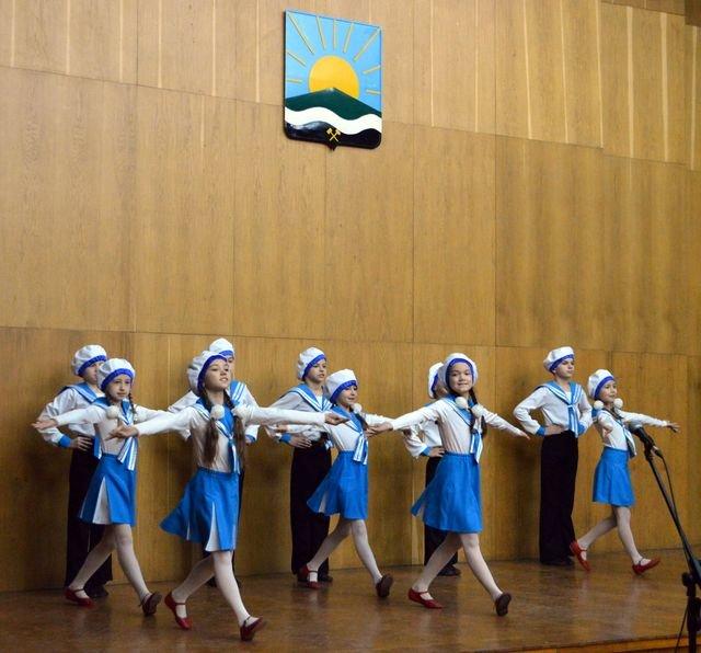 В Доброполье состоялся праздничный концерт ко Дню Вооруженных Сил Украины, фото-2