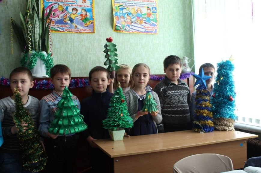 Новошахтинские школы уже украшены по-новогоднему, фото-5