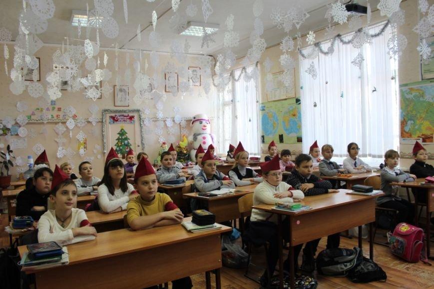 Новошахтинские школы уже украшены по-новогоднему, фото-4