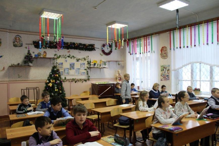 Новошахтинские школы уже украшены по-новогоднему, фото-3