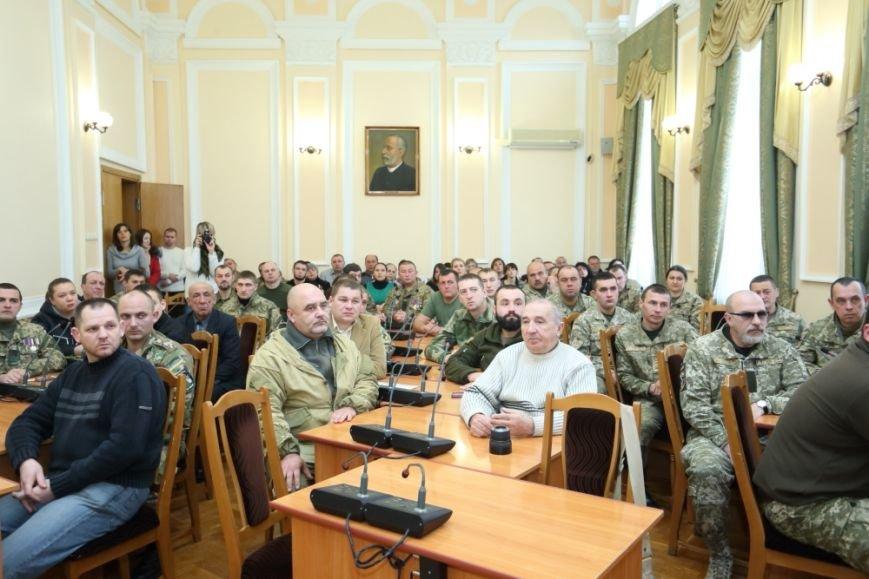 Сергій Надал привітав військовослужбовців і вручив їм пам'ятні медалі, фото-1
