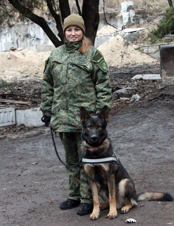 """К-9: донецкая полиция показала """"униформу"""" для четвероногих, фото-2"""