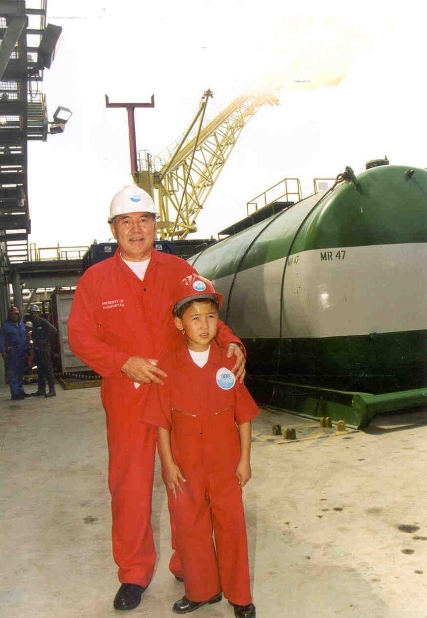 назарбаев и мальчик