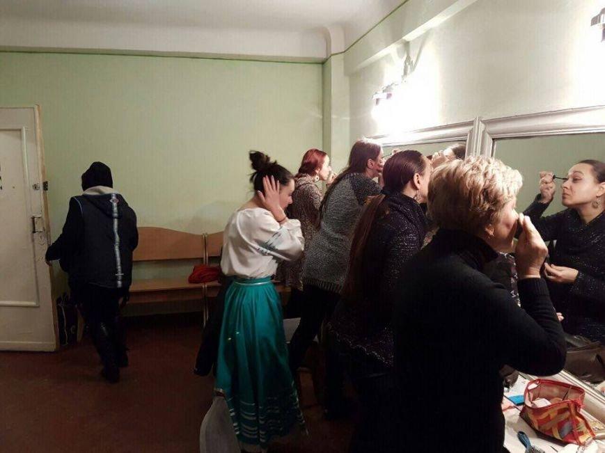 Тернопільські актори відвідали захисників України у зоні АТО і показали виставу (ФОТО), фото-10