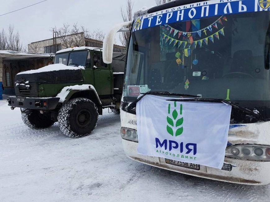 Тернопільські актори відвідали захисників України у зоні АТО і показали виставу (ФОТО), фото-5