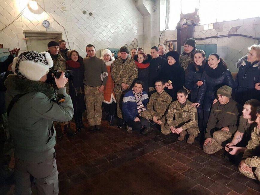 Тернопільські актори відвідали захисників України у зоні АТО і показали виставу (ФОТО), фото-8