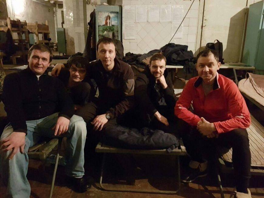 Тернопільські актори відвідали захисників України у зоні АТО і показали виставу (ФОТО), фото-9