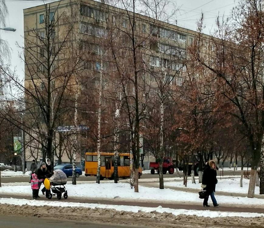 Уборка снега в Вишневом: продолжение (ФОТО), фото-2