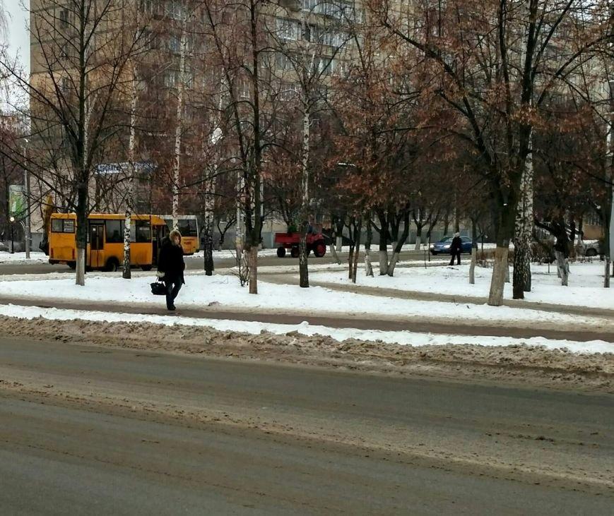 Уборка снега в Вишневом: продолжение (ФОТО), фото-1
