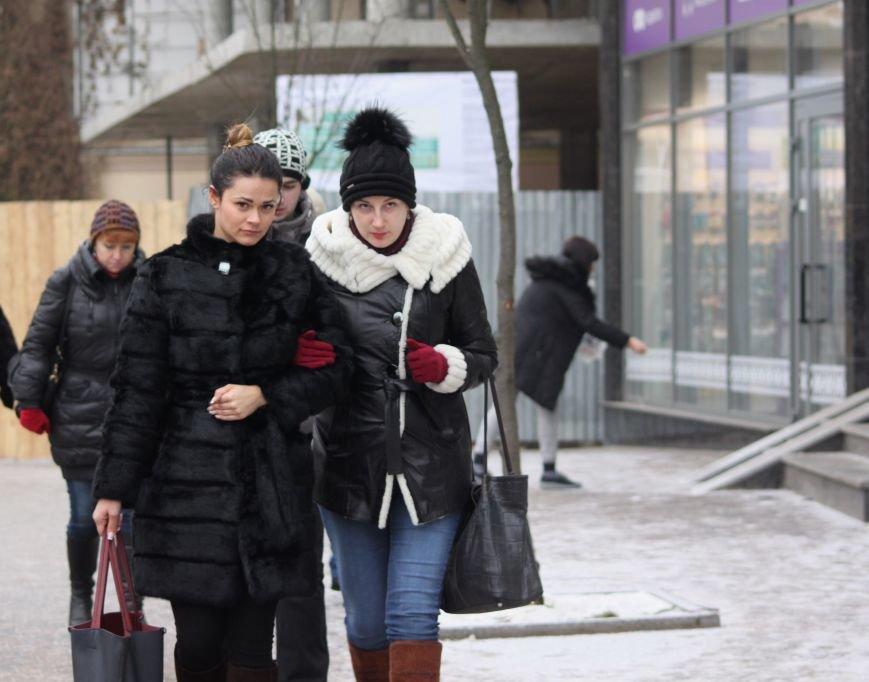 Як ужгородці ковзалися непосипаними тротуарами: фоторепортаж, фото-8