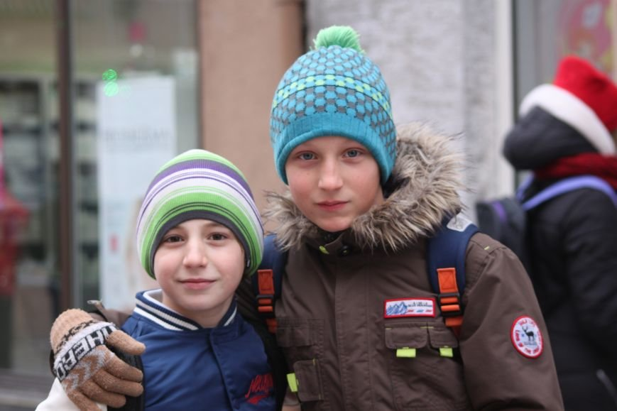 Як ужгородці ковзалися непосипаними тротуарами: фоторепортаж, фото-4