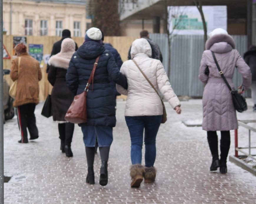 Як ужгородці ковзалися непосипаними тротуарами: фоторепортаж, фото-10