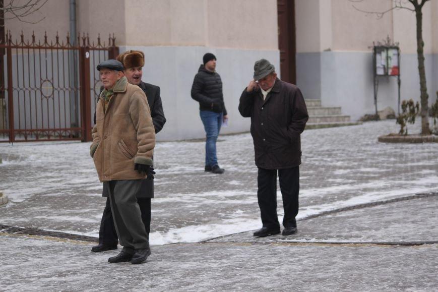 Як ужгородці ковзалися непосипаними тротуарами: фоторепортаж, фото-11