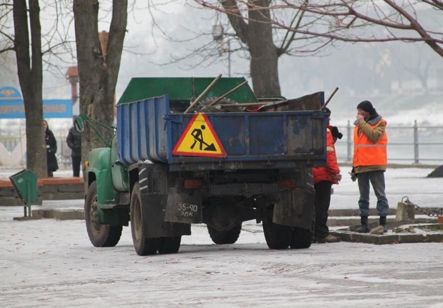 Як ужгородці ковзалися непосипаними тротуарами: фоторепортаж, фото-5