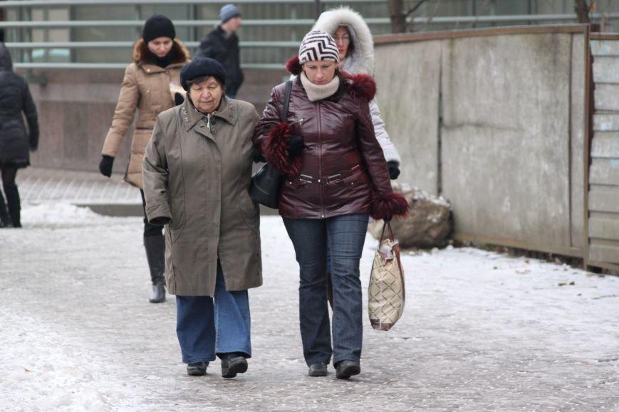 Як ужгородці ковзалися непосипаними тротуарами: фоторепортаж, фото-3