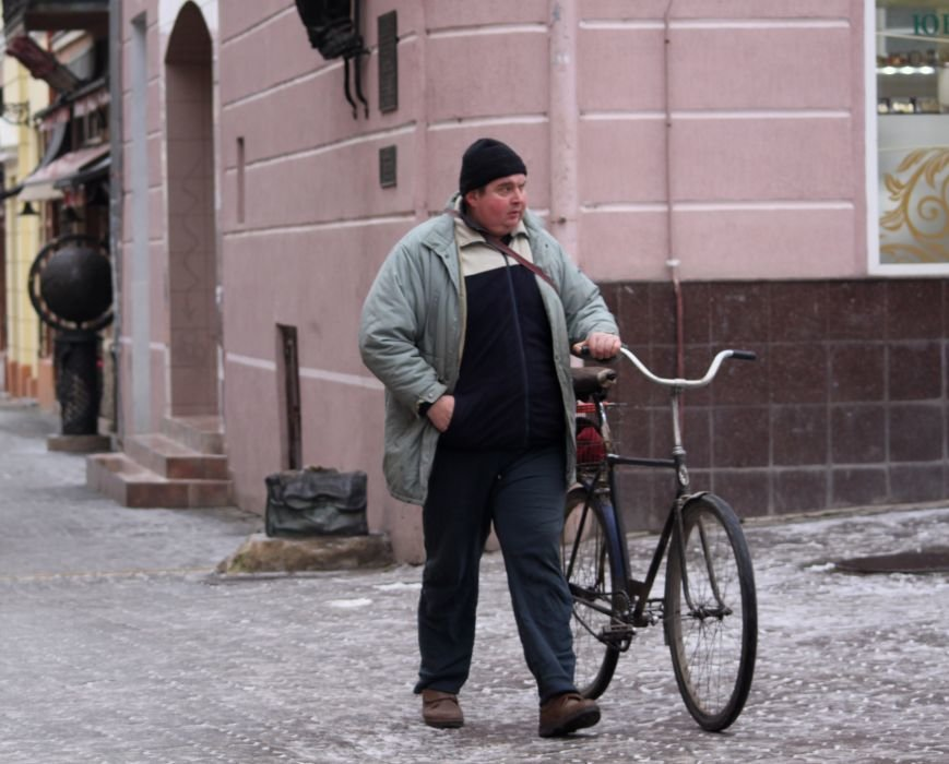 Як ужгородці ковзалися непосипаними тротуарами: фоторепортаж, фото-13
