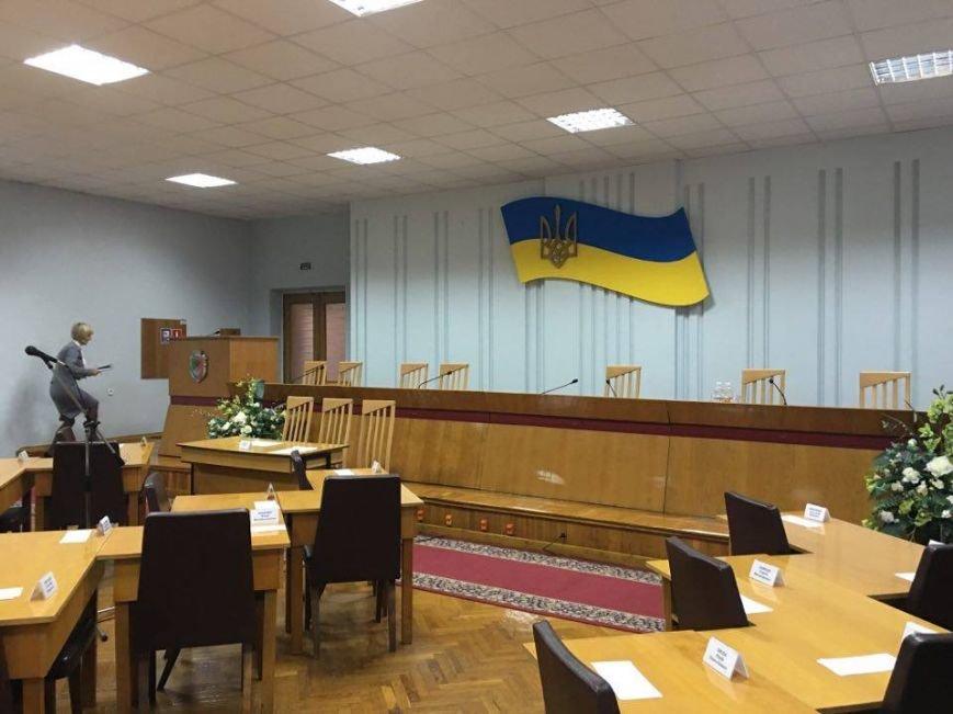 Сессия Криворожского горсовета по петициям проходит вне сессионного зала и без трансляции (ФОТО), фото-2