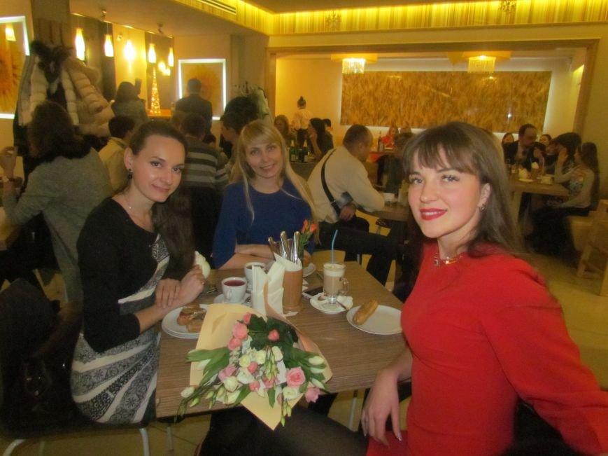 """В Мариуполе кафе """"Хлеб дю Солей"""" отпраздновало 4-летие (ФОТО), фото-5"""