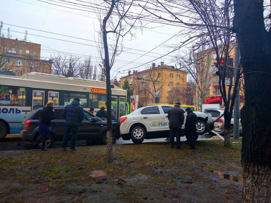 В Мариуполе сразу 5 автомобилей попали в аварию на пр. Мира (ФОТО+ВИДЕО), фото-1