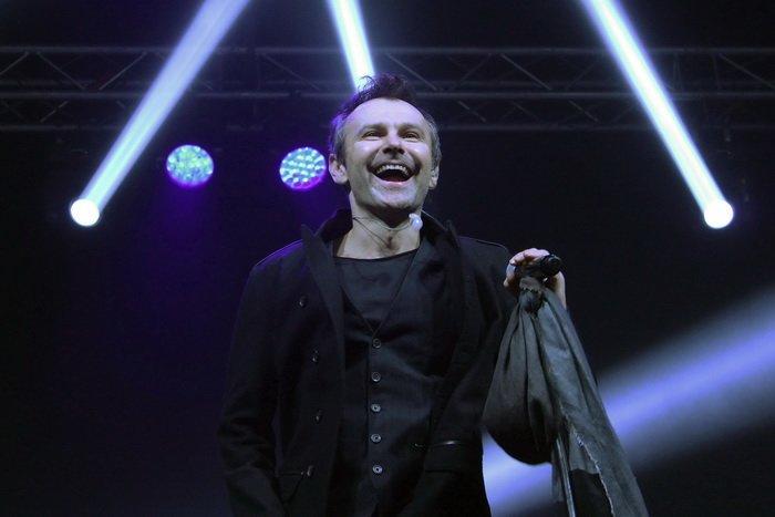 «Вы же в спортзал пришли – не жалейте рук!». Несколько тысяч зрителей создавали витебское «море» на концерте «Океан Ельзи», фото-4