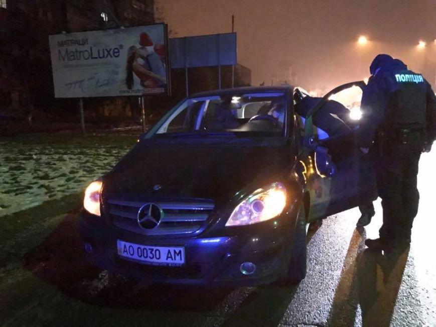 В Ужгороді п'яний працівник СБУ збив двох пішоходів: фото, фото-4