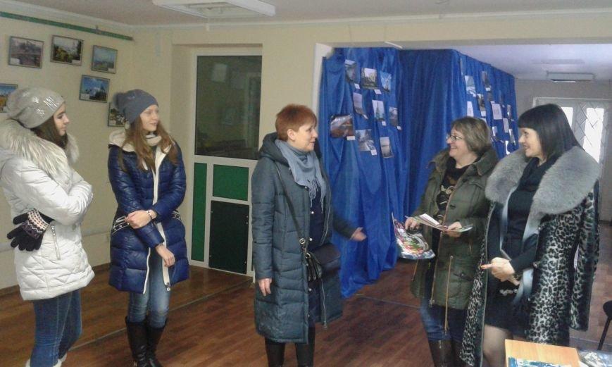 В Авдеевке провели благотворительную фотовыставку (ФОТО), фото-2