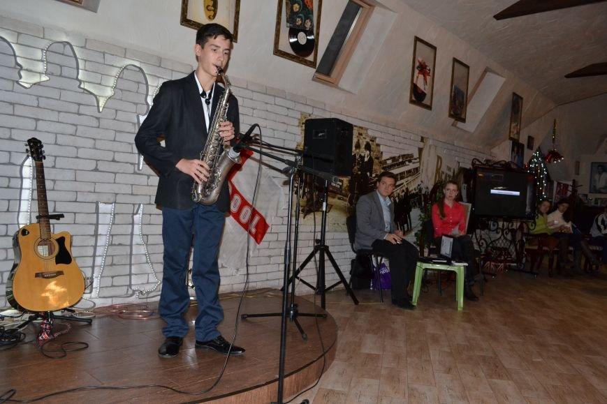 В Каменском прошел благотворительный концерт в поддержку воинов АТО, фото-15