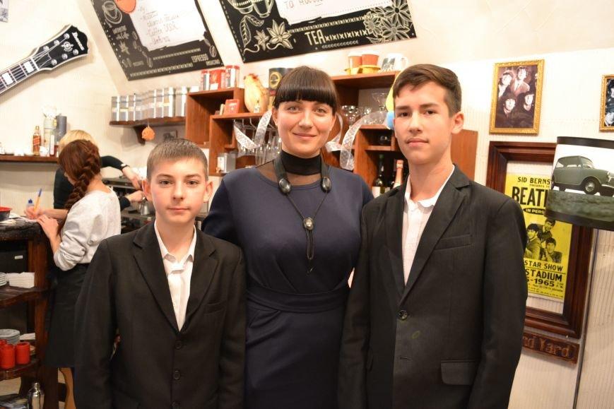В Каменском прошел благотворительный концерт в поддержку воинов АТО, фото-16