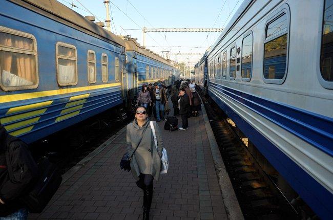 В Україні запрацював новий графік руху пасажирських поїздів, фото-1