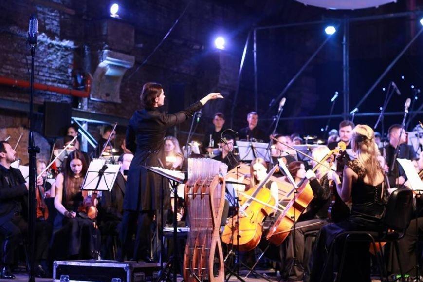 У приміщенні старого трамвайного депо влаштували концерт: як це було (ФОТО+ВІДЕО), фото-3