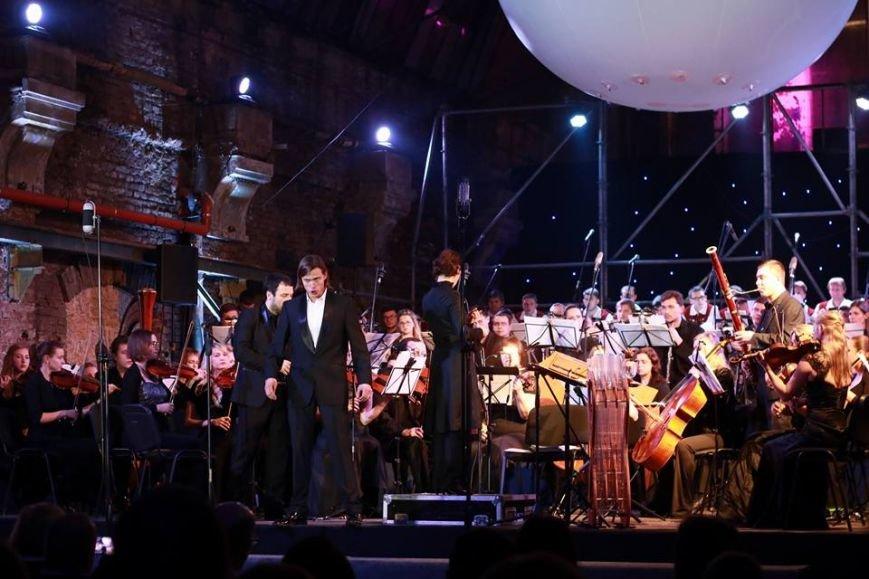У приміщенні старого трамвайного депо влаштували концерт: як це було (ФОТО+ВІДЕО), фото-5