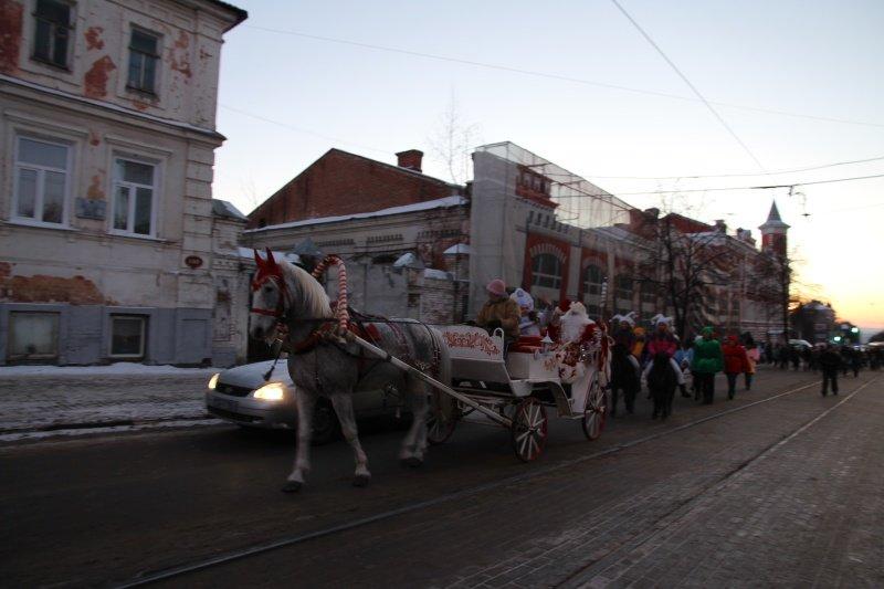 По Ульяновску прошлись Деды Морозы. ФОТО, фото-5