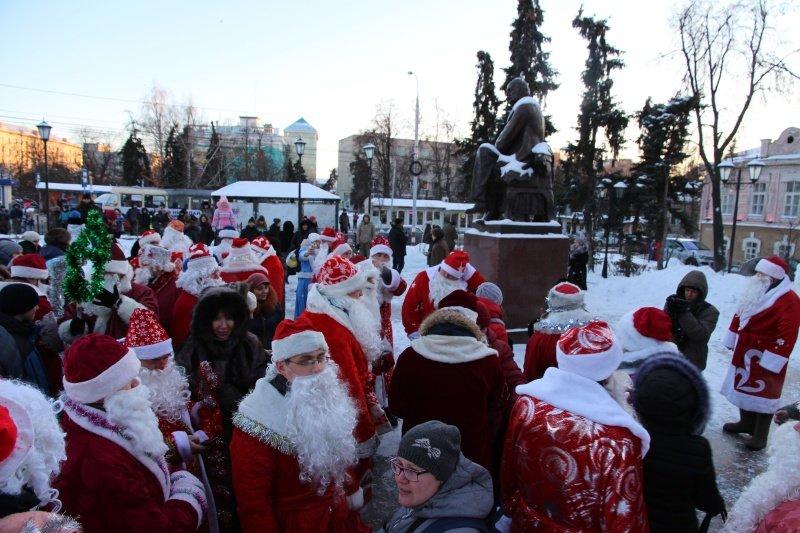 По Ульяновску прошлись Деды Морозы. ФОТО, фото-1