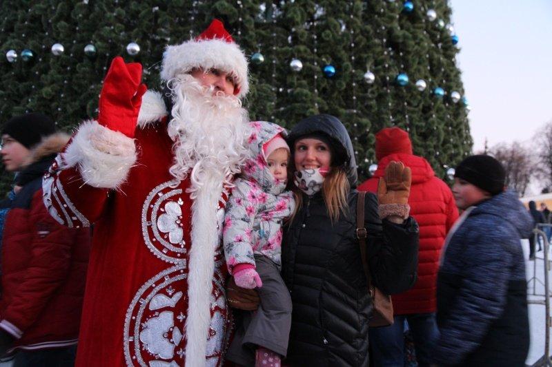 По Ульяновску прошлись Деды Морозы. ФОТО, фото-9