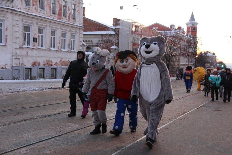 По Ульяновску прошлись Деды Морозы. ФОТО, фото-7