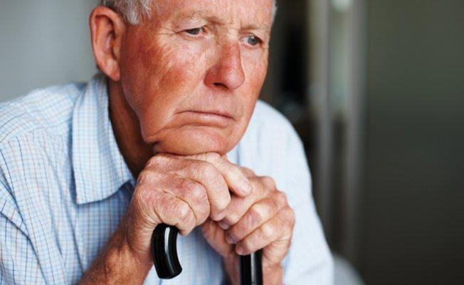 Ужгородські патрульні знайшли 83-річного пенсіонера, який пішов з дому після інсульту, фото-1