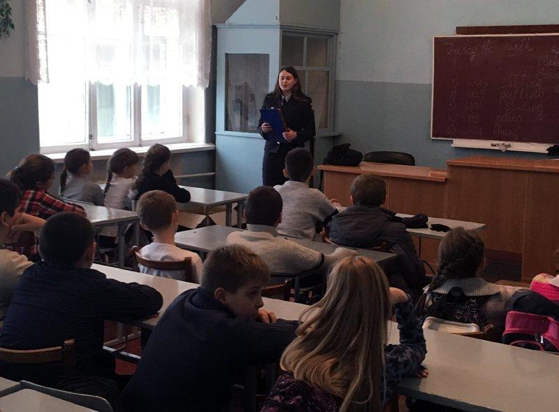 Правоохранители рассказали Добропольским школьникам о вреде наркотиков, фото-1
