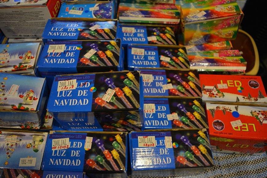 Разноцветный дождик, елочные игрушки и гирлянды. Покупаем новогодние украшения в Новополоцке за копейки, фото-2