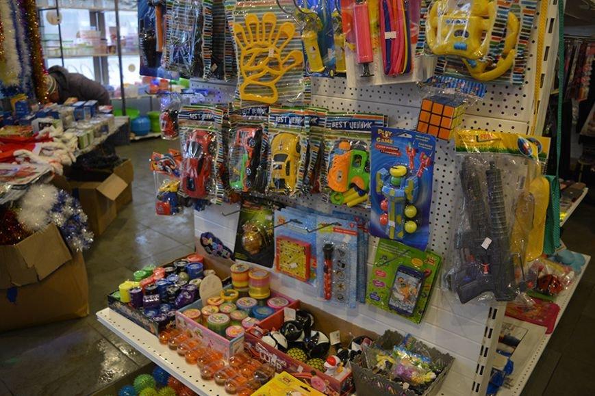 Разноцветный дождик, елочные игрушки и гирлянды. Покупаем новогодние украшения в Новополоцке за копейки, фото-14