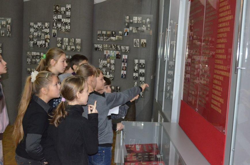 Школьники прошли лабиринтами истории в поисках артефактов (фото), фото-3