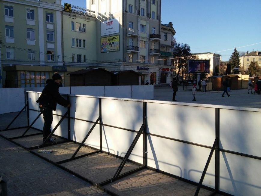 На головній площі Тернополя облаштовують різдвяний ярмарок (фоторепортаж), фото-5