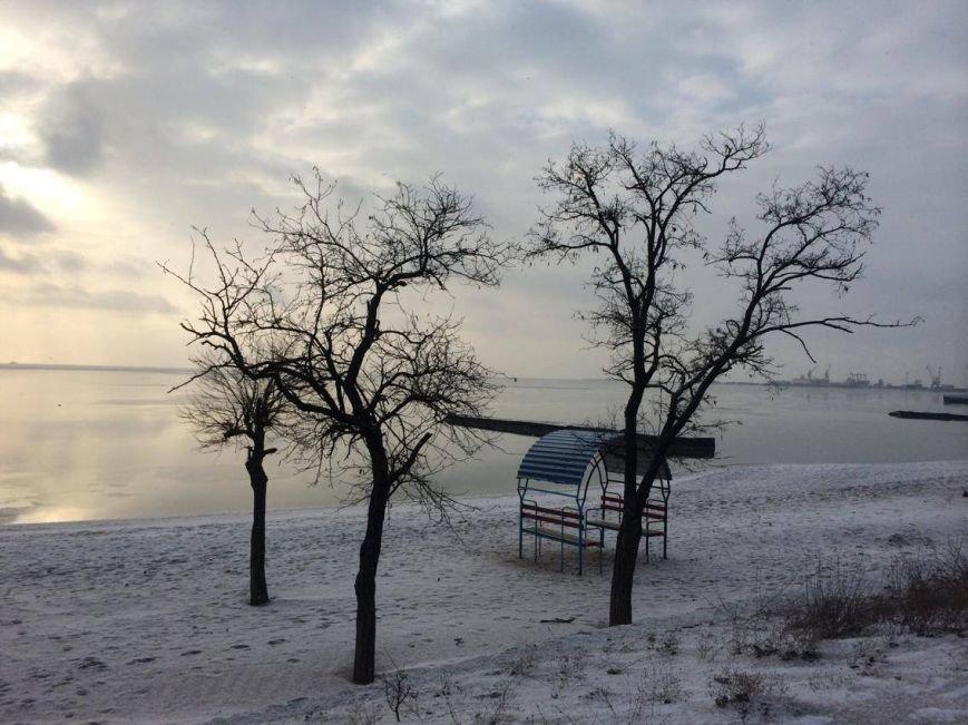 В Мариуполе снег украсил морское побережье (ФОТО), фото-14