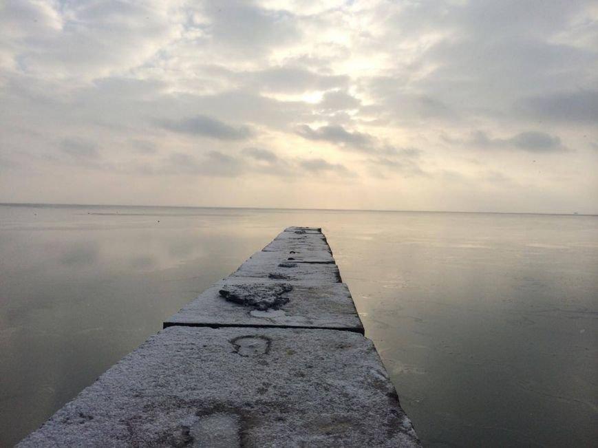 В Мариуполе снег украсил морское побережье (ФОТО), фото-6