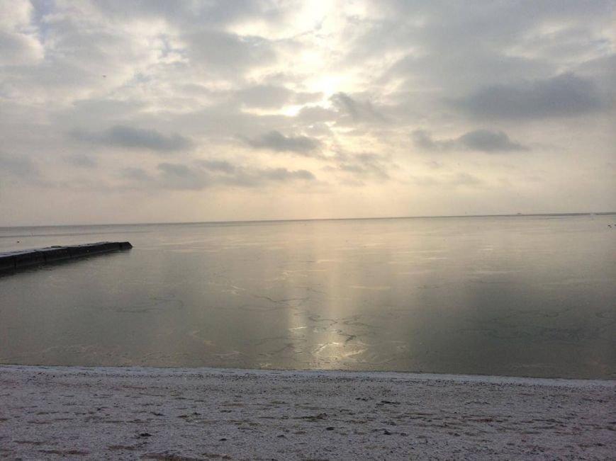 В Мариуполе снег украсил морское побережье (ФОТО), фото-8