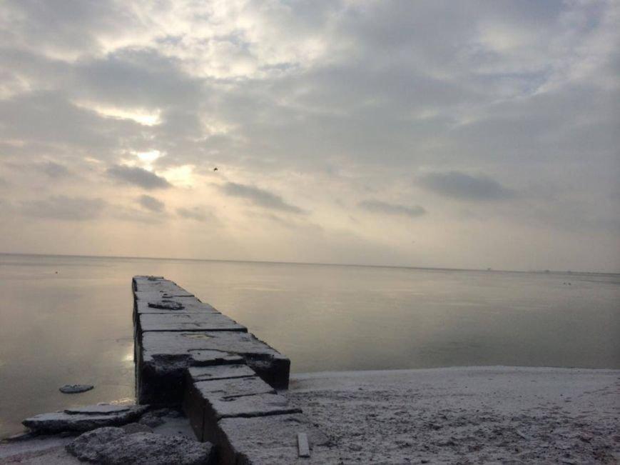 В Мариуполе снег украсил морское побережье (ФОТО), фото-1