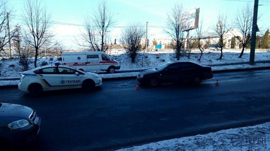 У Тернополі швидка змушена була об'їжджати ДТП тротуаром (фото), фото-3