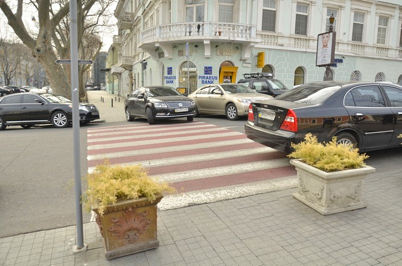 Автохамы-одесситы на Ланжероновской улице показали плохой пример (ФОТО), фото-2
