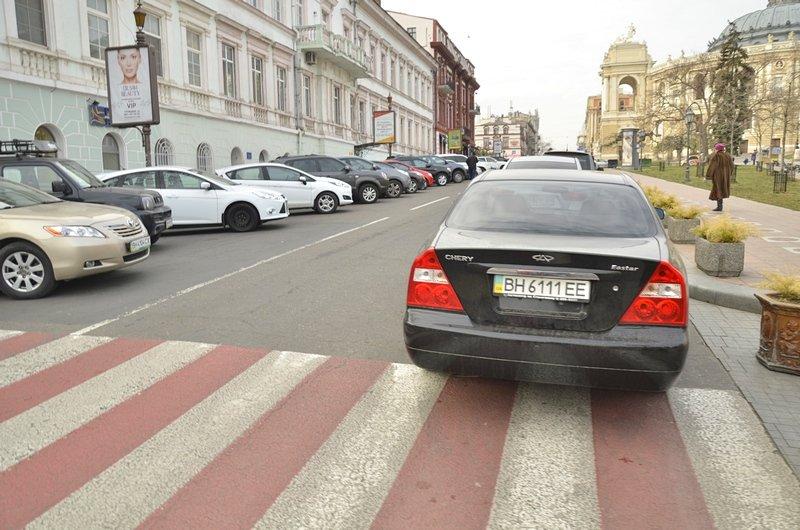 Автохамы-одесситы на Ланжероновской улице показали плохой пример (ФОТО), фото-3