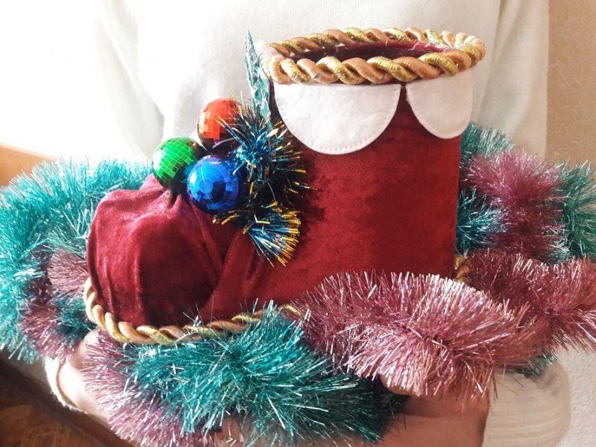 Новорічні прикраси з відпрацьованої сировини виготовляють конотопські школярі, фото-3